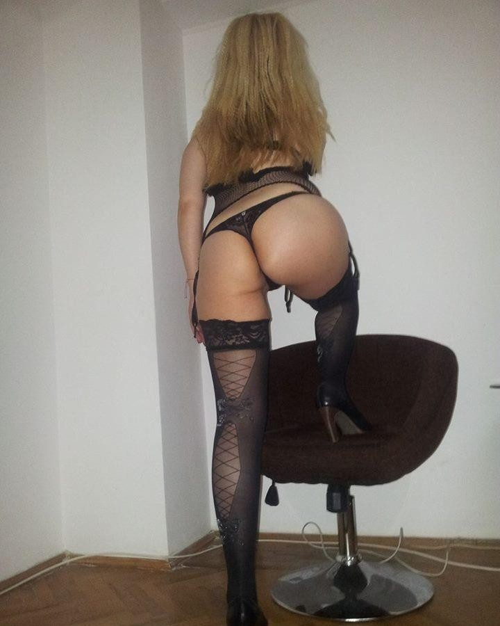 Matura Chantal 40 ani, accept dubla penetrare, sex total,