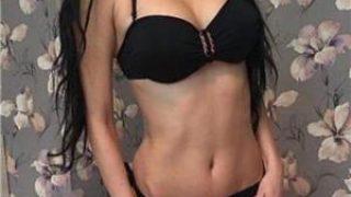 Anunturi dame de companie: Bruneta 19 ani